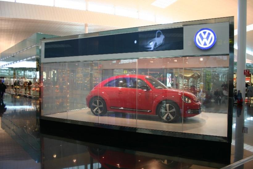 El Volkswagen Beetle se exhibe en el Aeropuerto de Barcelona