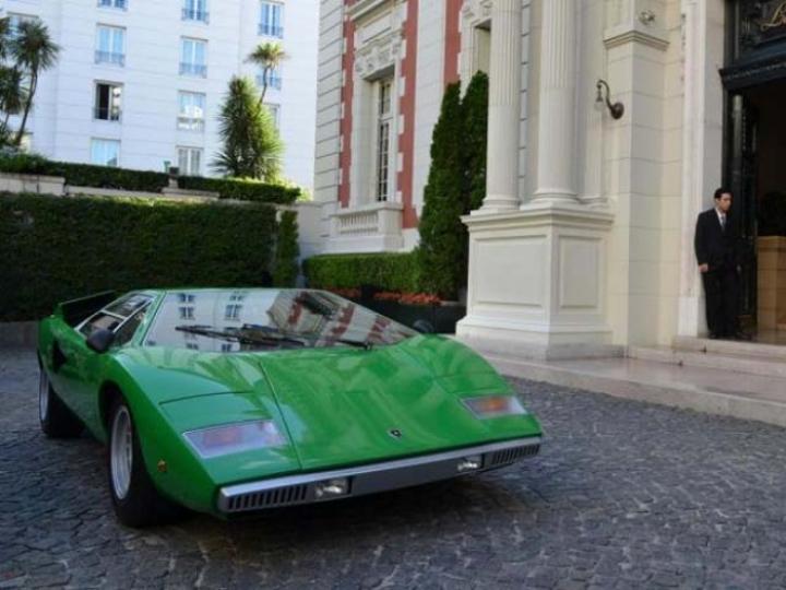 Valentino Balboni se puso al mando de un Lamborghini Countach LP400
