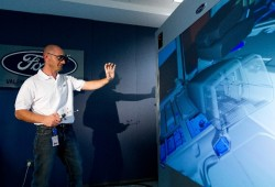 La factoría de Ford en Almussafes apuesta por la realidad virtual 3D