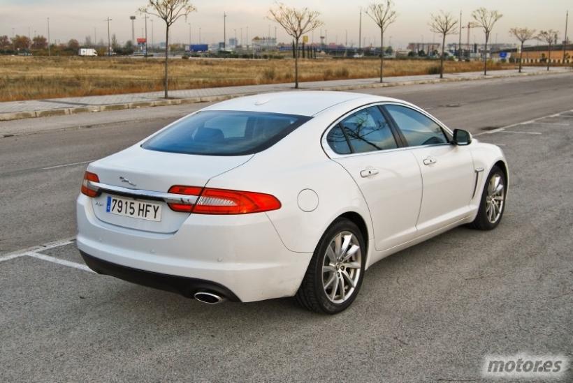 Jaguar XF 2.2 Diesel 190 CV Premium Luxury. Un felino elegante y refinado