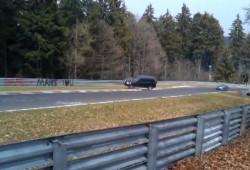 Honda CR-V vuelca espectacularmente en el circuito de Nürburgring