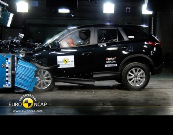 Últimos resultados EuroNCAP. BMW Serie 3, Hyundai i30, Mazda CX-5 y Peugeot 208