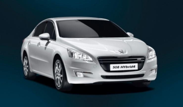 El sistema Hybrid4 llega también al Peugeot 508 berlina