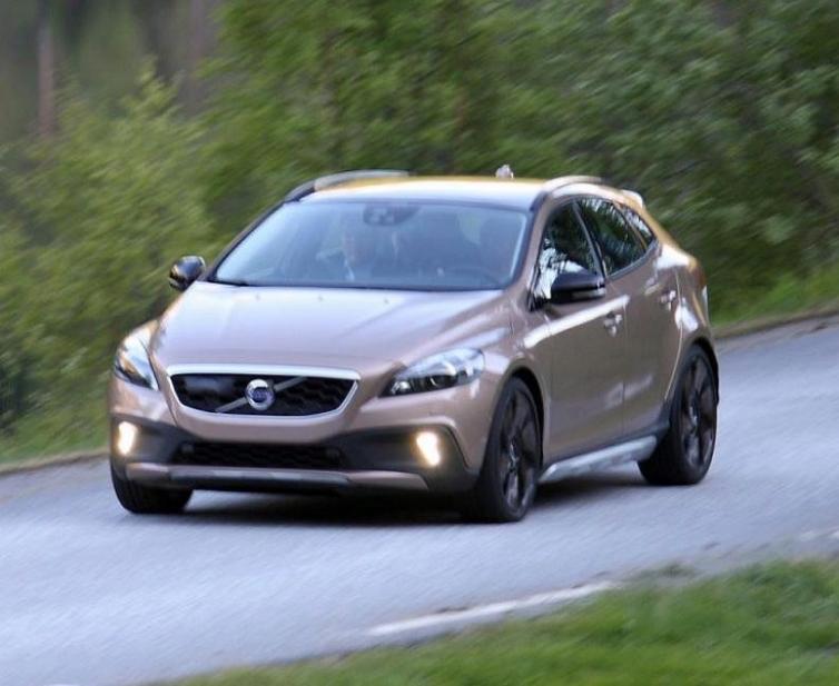 Fotos espía: El Volvo XC40 se muestra sin tapujos