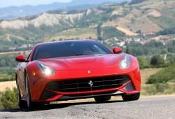 Ferrari presentó el F12 Berlinetta en Maranello