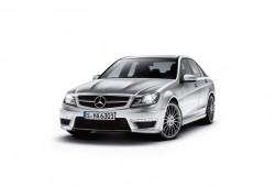 El Mercedes Clase C recibe nuevos acabados y mejoras en el motor 1.6 turbo