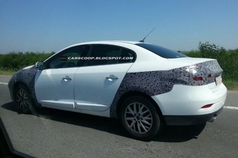 Fotos espía: Renault Fluence 2013 y nuevos Dacia Logan y Sandero