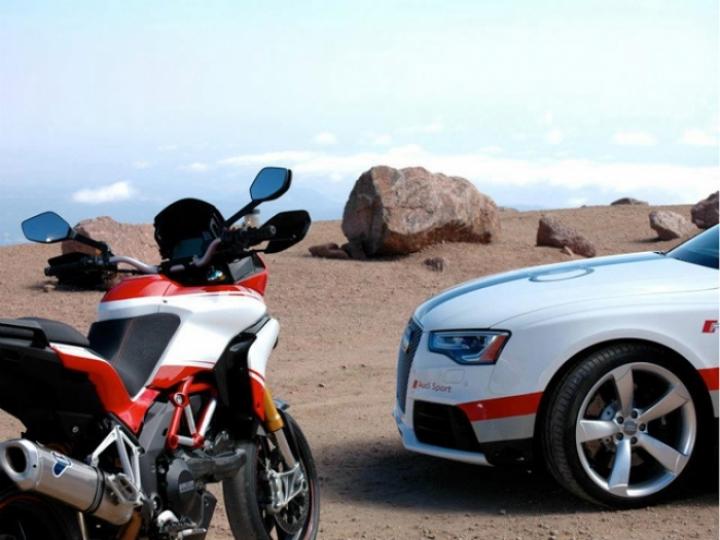 Audi RS5 y Ducati Multistrada 1200 S en Pikes Pike