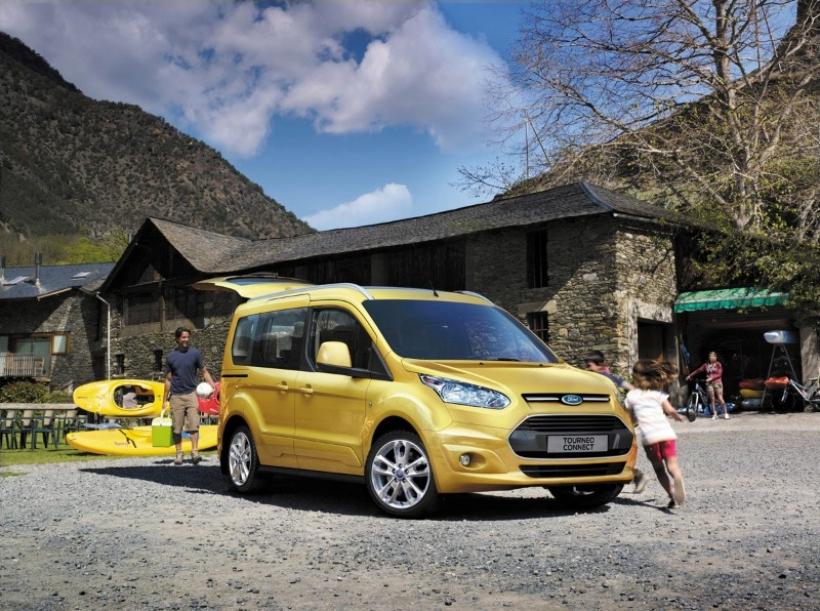 Ford Tourneo Connect 2013. ¿Quién dijo furgoneta?