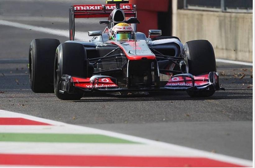 GP de Italia, Libres 2: Hamilton y Button al frente
