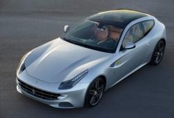 Ferrari incluye un atractivo techo panorámico de cristal en el FF
