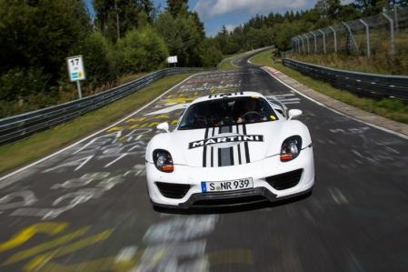 Porsche muestra el video del 918 Spyder destrozando el crono en Nürburgring