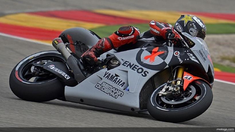 Valentino Rossi y Jorge Lorenzo se van de vacaciones con los deberes sin hacer