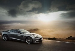 Aston Martin garantiza su futuro empresarial