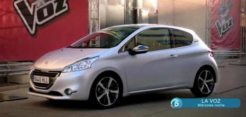 Los finalistas de La Voz de Telecinco conducen el nuevo Peugeot 208