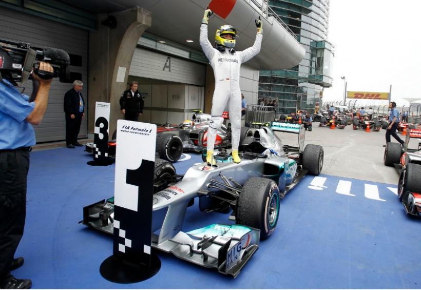 AMG Mercedes: una victoria de Rosberg, ocho abandonos de Schumi