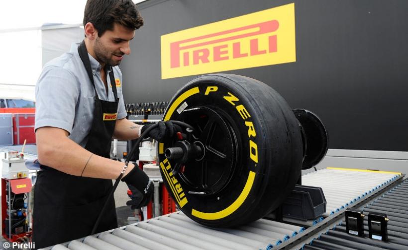 Jaime Alguersuari seguirá en Pirelli