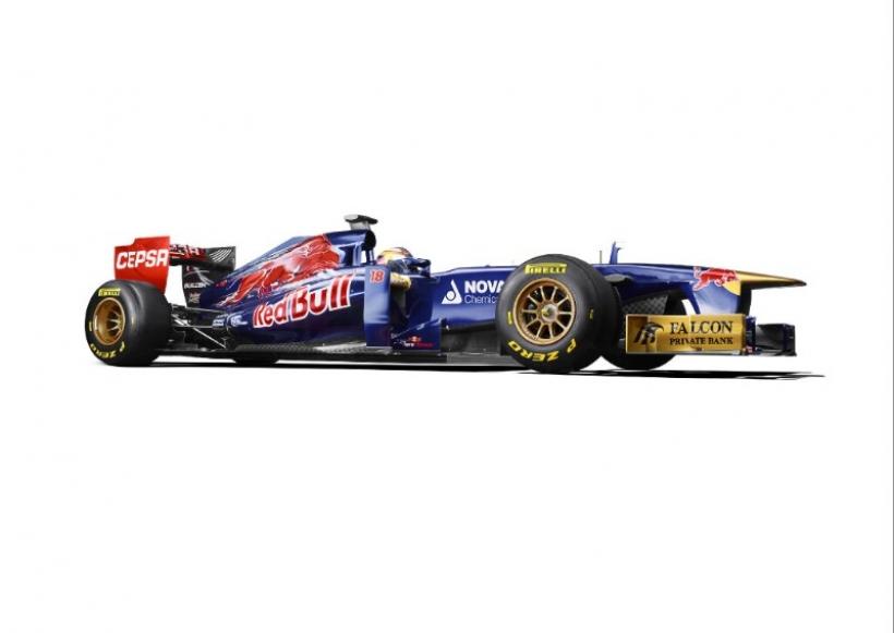 Toro Rosso presenta el conservador STR8