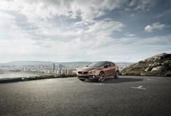 Volvo V40 Cross Country y V40 R-Design inician su comercialización en nuestro país