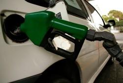 Llenar el depósito sale más caro que nunca, la gasolina a casi 1,50 euros