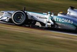Sergio Pérez, el más rápido del día. Alonso solo quinto