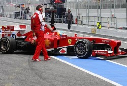 Alonso mantiene el mejor tiempo con su registro de la mañana