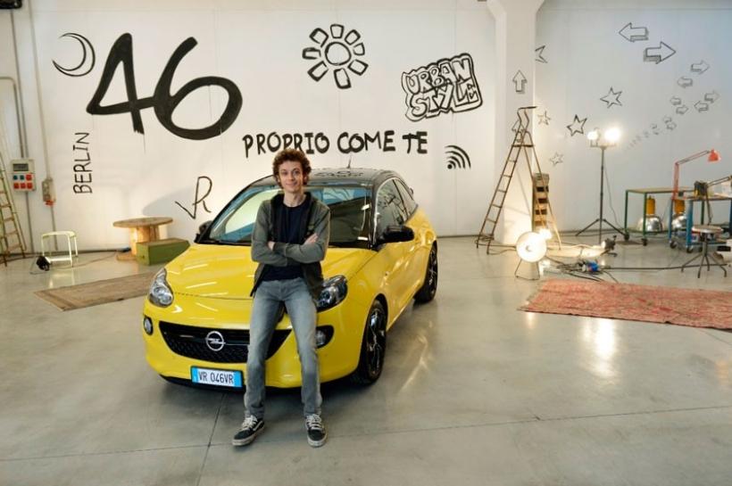 El nuevo amor de Valentino Rossi: el Opel ADAM
