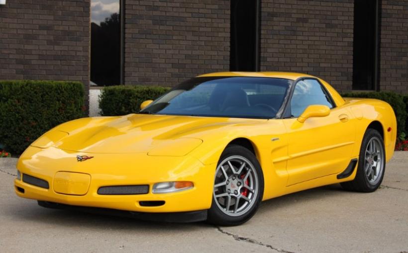 Un Corvette se salva del robo gracias al cambio manual
