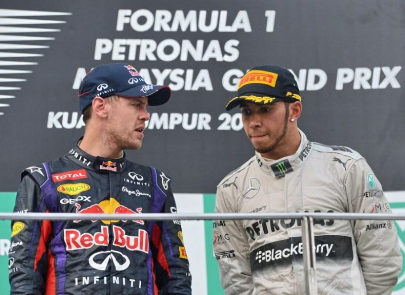 Hamilton asegura que no hay favoritismos en Mercedes
