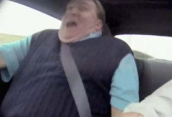 Un vendedor de coches burlado con una cámara oculta