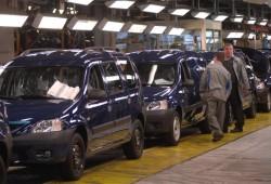 Dacia para la producción por una huelga de sus trabajadores en Rumanía