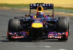 Vettel asusta de inicio