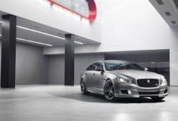 Jaguar XJR, la limusina salvaje (vídeo)