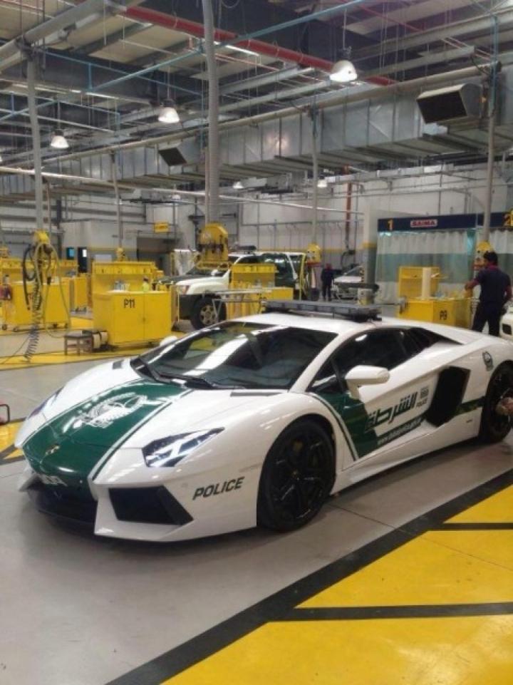 El Lamborghini Aventador de la Policía de Dubai