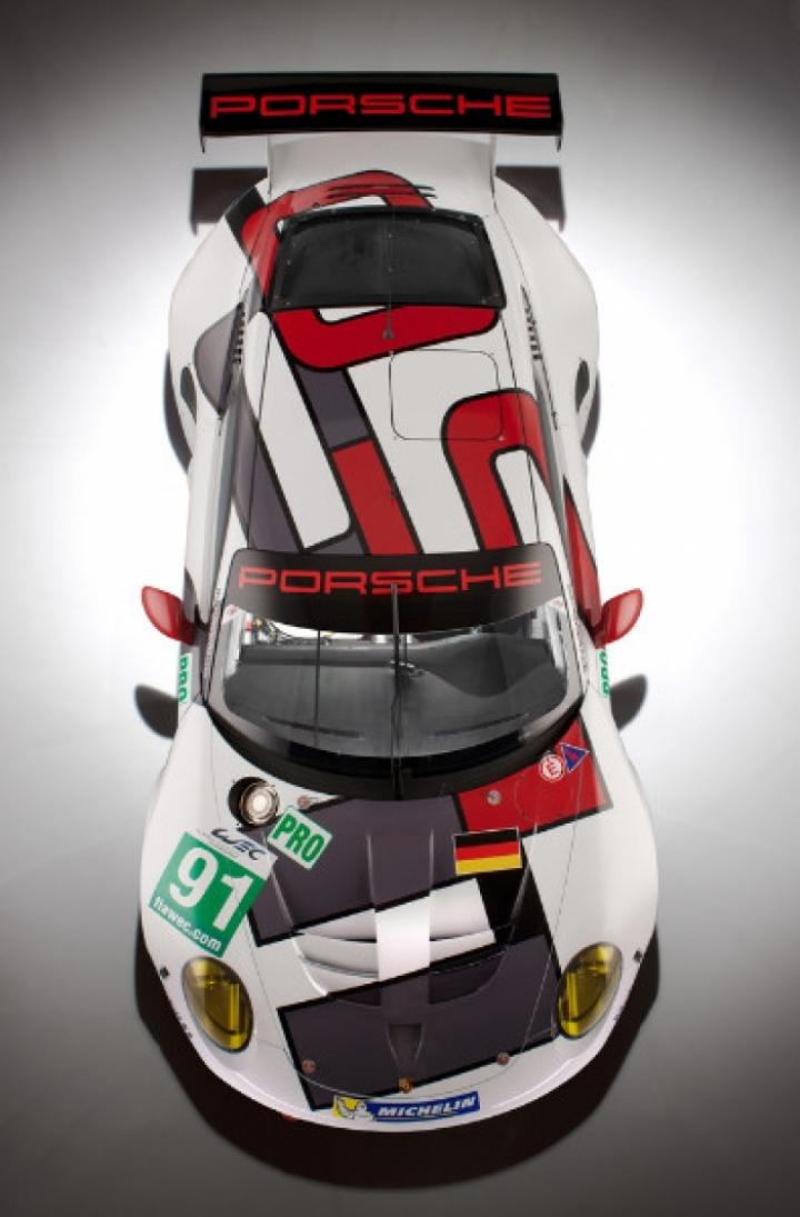 Porsche presenta el 911 RSR para derretir el asfalto