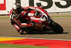Aragon Motorland: Carlos Checa sigue domando la nueva Ducati Panigale
