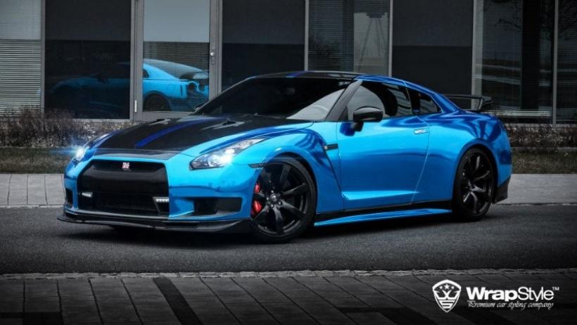 Nissan GT-R por WrapStyle: 1.000 CV vestidos de cromo azul