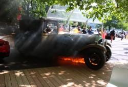 Un Ferrari Enzo se salva de la quema de milagro