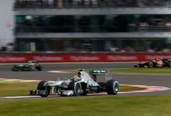 Hamilton logra una pole imposible en Silverstone