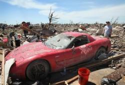 El motor de un Corvette Z06 sobrevive al tornado de Oklahoma