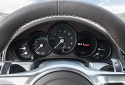 Porsche 911 50 Aniversario, ahora en movimiento y contra un primera serie
