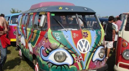 10ª edición de FurgoVolkswagen, el evento que rinde homenaje al icono hippie