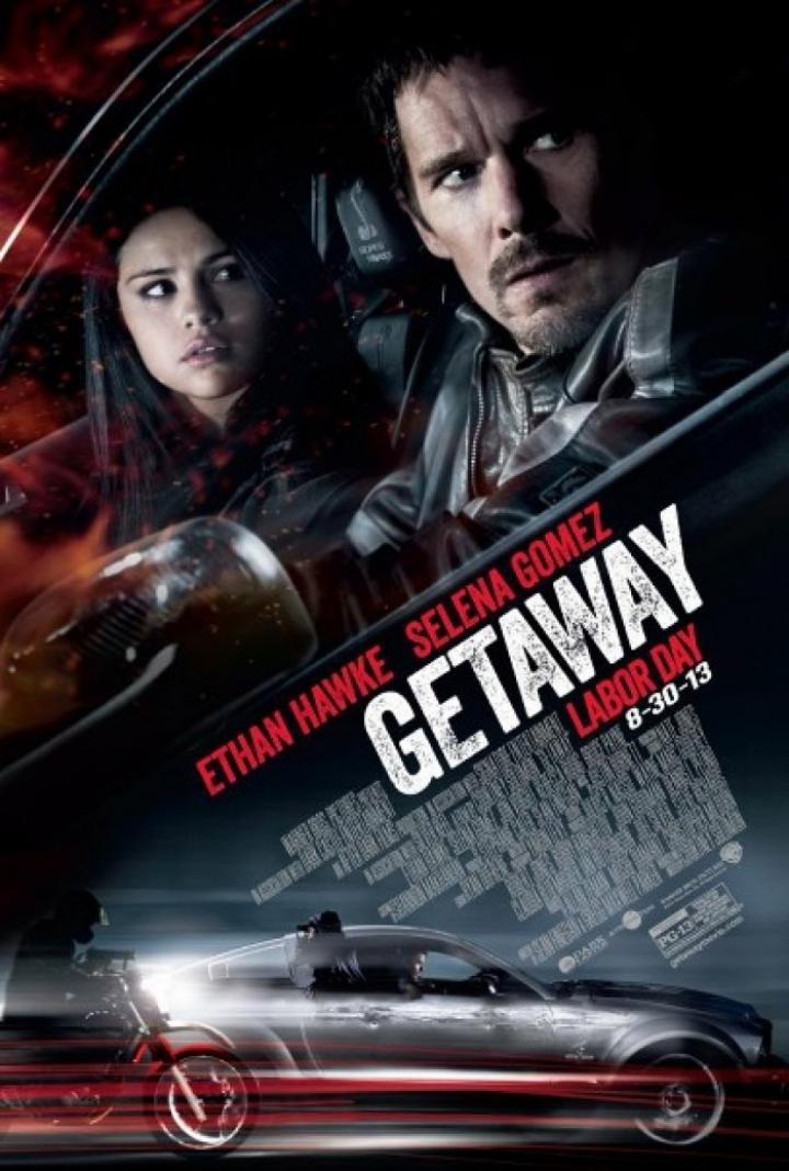 Un Shelby GT500 y un centenar de coches destrozados en la última película de Ethan Hawke y Selena Gómez