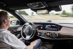 El Clase S INTELLIGENT DRIVE logra recorrer 100 Km de forma autómata en tráfico real.