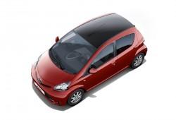 Toyota Aygo Rojo Frac, combinación en colores negro y rojo