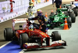 Webber, penalizado con 10 posiciones para Corea por ir en el 'taxi' de Alonso