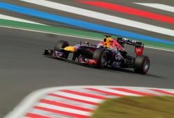 Una victoria más para Vettel, una carrera menos para el título