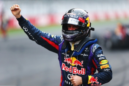Vettel arrasa y se proclama tetracampeón del mundo