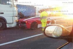 El Ferrari LaFerrari sufre su primer accidente