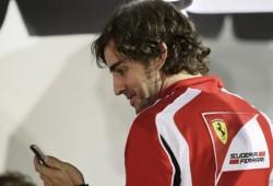 Ferrari prohibe a Fernando Alonso usar el twitter